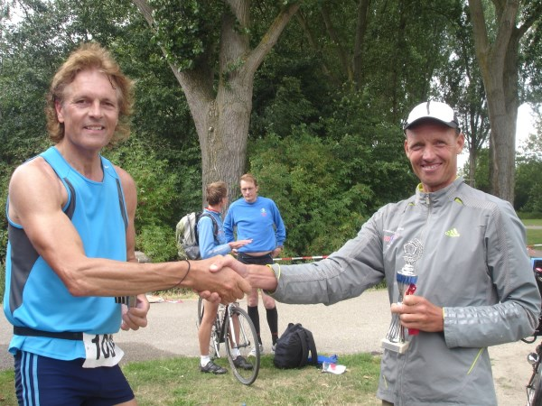 128 Frans Woerden en Wilma Dierx winnen de Bosbaan Marathon 2013.