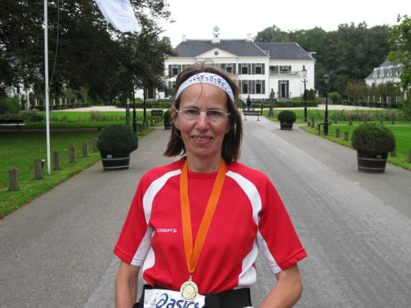 Ineke Scheffer, de nummer 1 dame van de 100 Marathon Club Nederland, met358 Marathons.