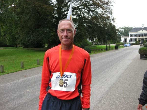 Sjoerd Slaaf, samen met Ronald Kwint de man achter de Drents-Friese Wold Runners en de vele Marathons in de bossen van Drenthe en Friesland, sinds 25 September 2010 de nummer 1 van de 100 Marathon Club Nederland, met622 Marathons.