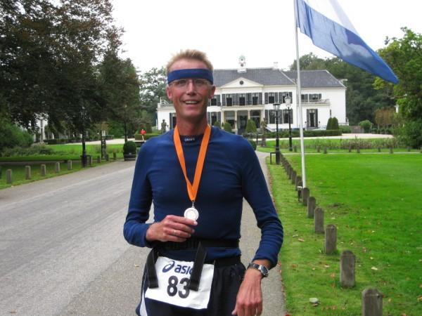 Benny de Vries, met 76 Marathons.