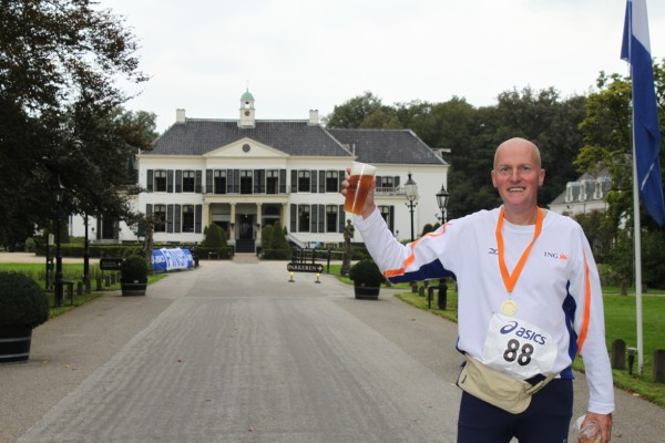 Willem Kramer, de nummer 68 van de 100 Marathon Club Nederland, met 60 Marathons.
