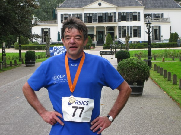 Peter van Wouwe, lid van loopvereniging Plantaris, de organisatie achter de wereldberoemde Oranje Marathons, met 17 Marathons.