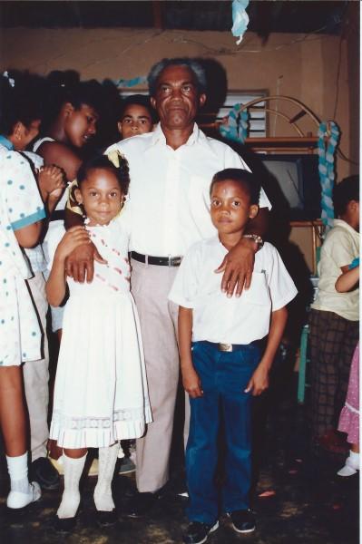 Opa Martin, met de nog jonge tante Margaret en Oom Winston