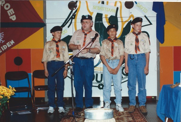 Ed Soriano wordt ingezworen als Scout