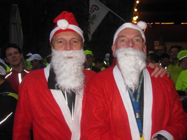 2013, 28 december, Silvester Marathon, Meerssen, kerstmannen Francis Spoelstra en Willem Muetze, zie verslag