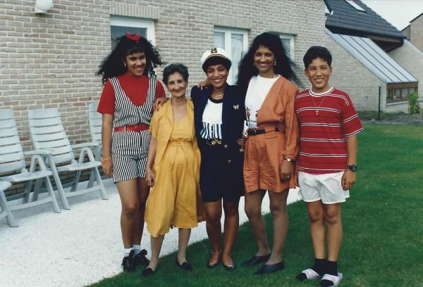 Nicht Yenny, oma Enedina(R.I.P.), masma, tante Negrita(R.I.P.) en Ed Soriano
