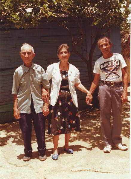 De vader van oma Enedina links, en de broer van oma Enedina rechts