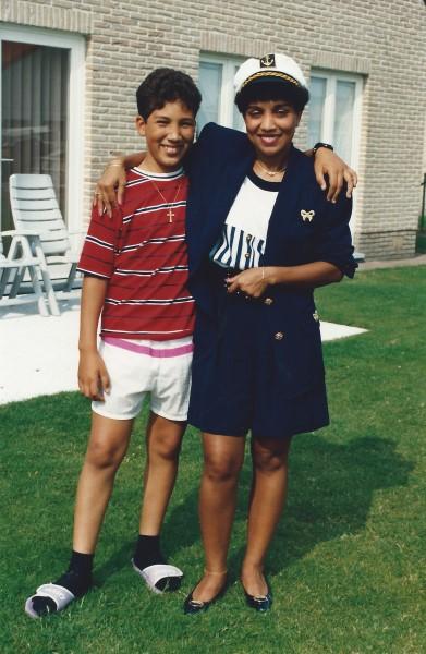 Ed Soriano en mama
