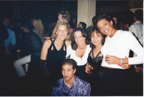 Ed Soriano mag mee naar een oudejaarsavond feest 1996 in de Lexion in Zaandam